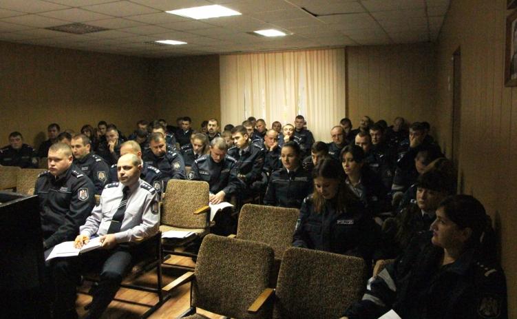 """Vizita preşedintelui Sindicatului """"DEMNITATE"""" la Inspectoratul de Poliţie Criuleni"""