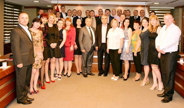 Международное сотрудничество в сфере обучения профсоюзных лидеров.