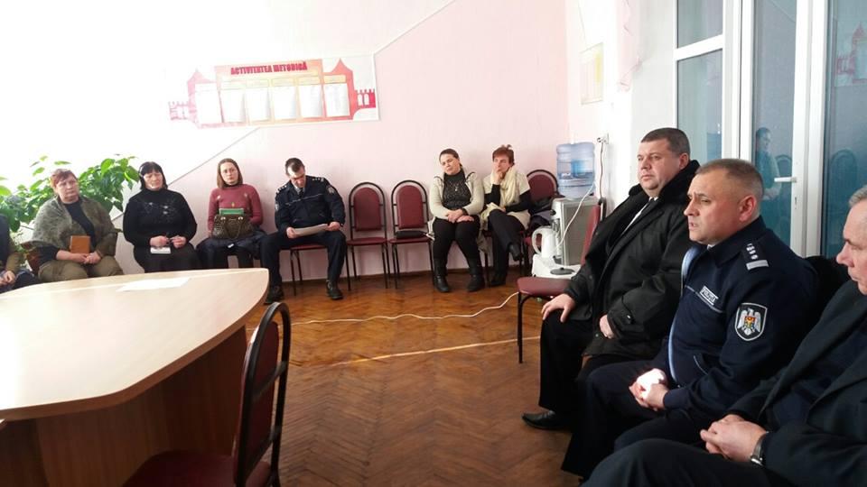 Colaborarea organelor de poliţiei cu instituţiile preuniversitare în vederea istruirii tinerii generaţii