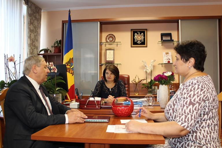 """Ministrul Monica Babuc a avut o întrevedere cu Mihail Lașcu, președintele Sindicatului """"Viitorul"""""""