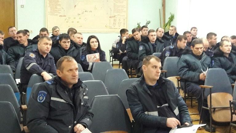 """Sindicatul """"Salvatorul""""   în discuţie cu angajaţii DSE Buiucani"""