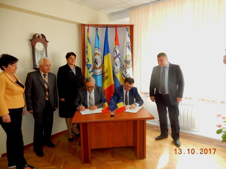 Визит колег из Федерации Национальных Профсоюзов Работников Полиции и Служащих по Контракту Румынии