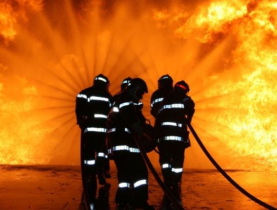 Искренние соболезнования семье пожарного, погибшего при исполнении долга во время тушения сильного пожара в Кишиневе